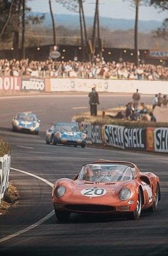 Ferrari 330 P2 65 Guichet Parkes.jpg