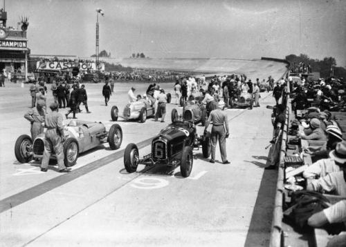 2-Montlh 1934 GP grille.jpg