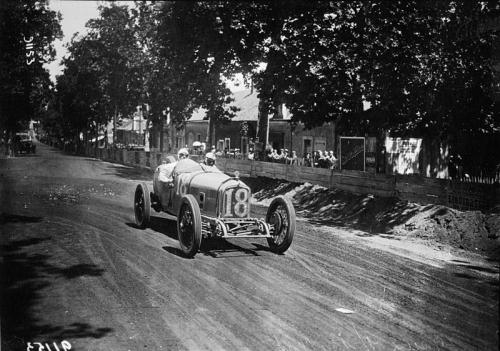 Jules_Goux_at_the_1921_French_Grand_Prix_ballot 2LS(3).jpg