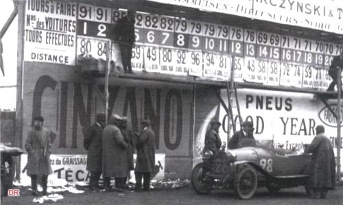 24h1923-affichage-17h de course.jpg