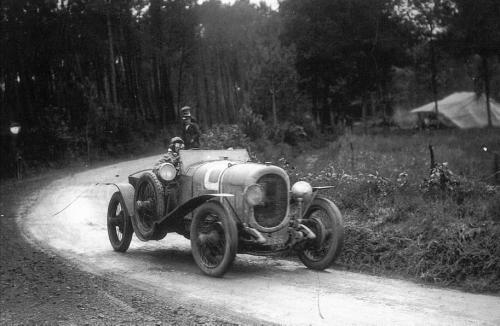 24hdumans1923-Chenard et  Walker des vainqueurs .jpg