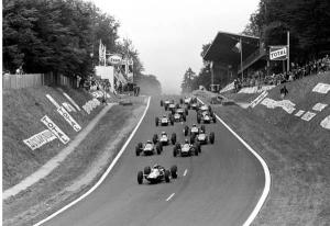 64-start-GP France- first Clark.jpg